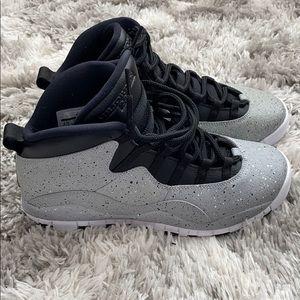 Jordan 10 Gray size 6.5y